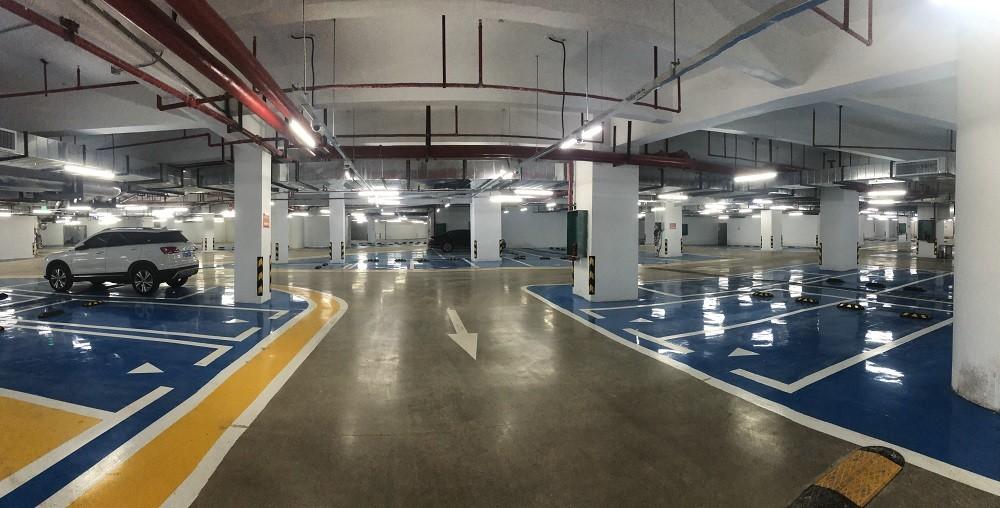 五象新區核心區商務街車庫地坪環氧加固化劑及交通標線工程
