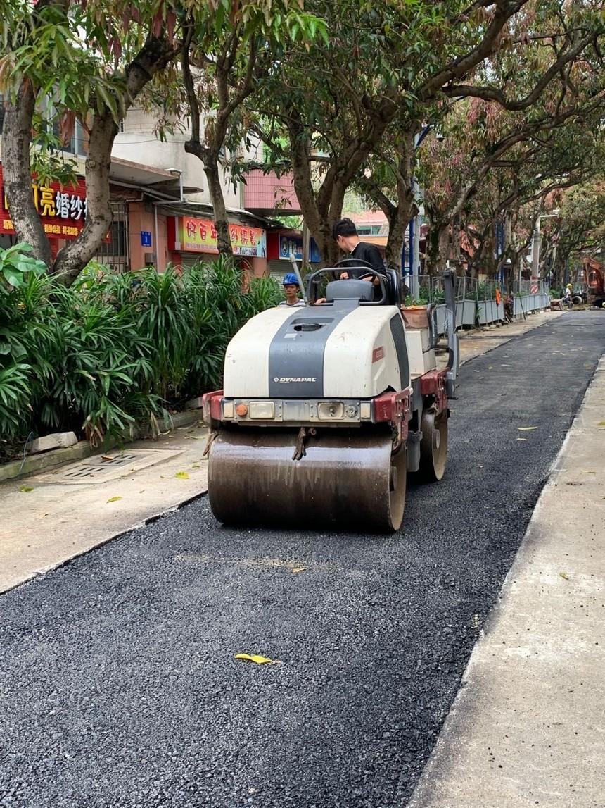 南宁市邕宁区红星路市政道路沥青修补
