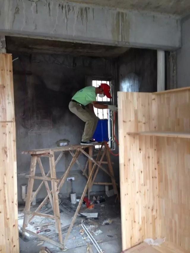 新装修墙面做白蚁防