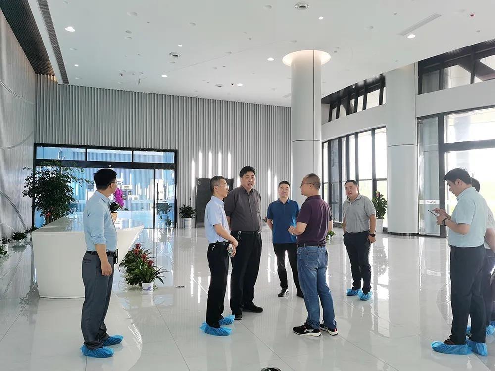 一舟访客丨上饶市工业和信息化局党组成员、纪检组长刘一军等领导一行莅临一舟江西大数据产业园