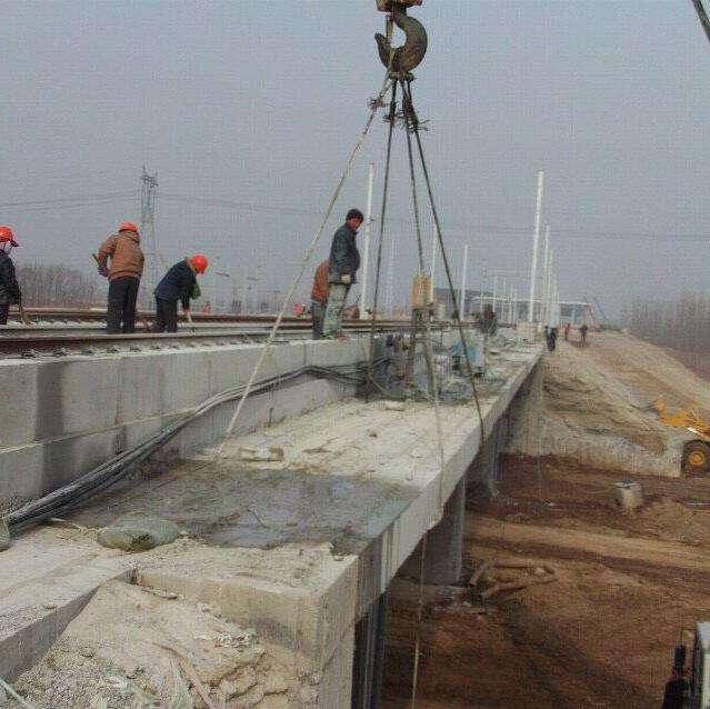 橋梁切割工程現場