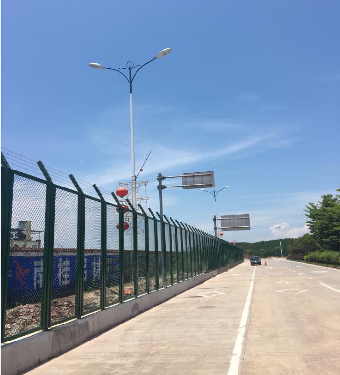 2017年东兴市中越边境边防护栏制作与安装